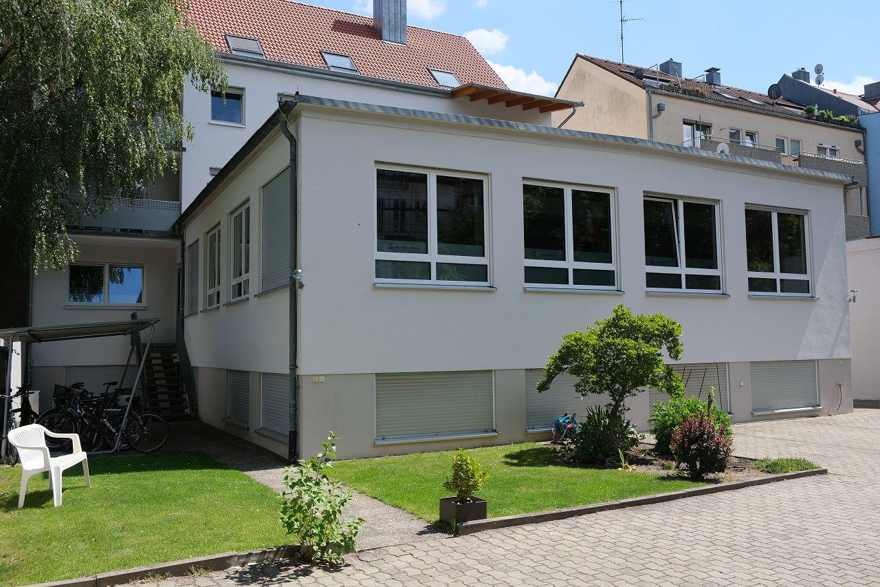 Gemeindehaus der CGN in Nürnberg (Hofseite)
